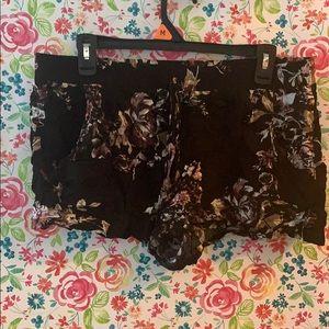 Floral comfy shorts